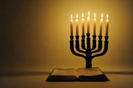 menorah y la biblia